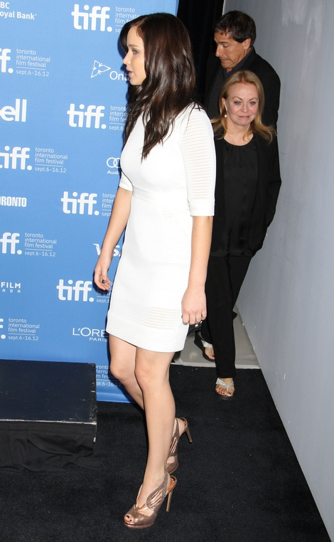 Jennifer Lawrence w Antonio Berardi (FOTO)