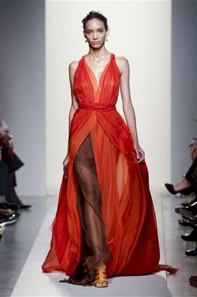 Jennifer Lopez w kreacji od Bottega Veneta