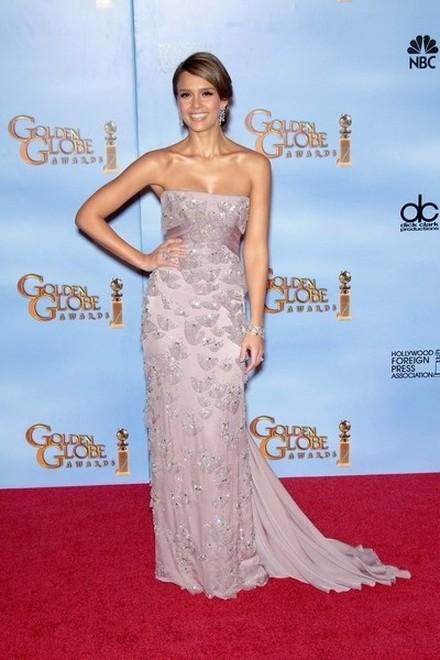 Jasne suknie na Złotych Globach (FOTO)/Jessica Alba