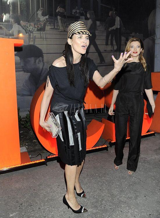 Joanna Horodyńska w czapce Burberry Prorsum