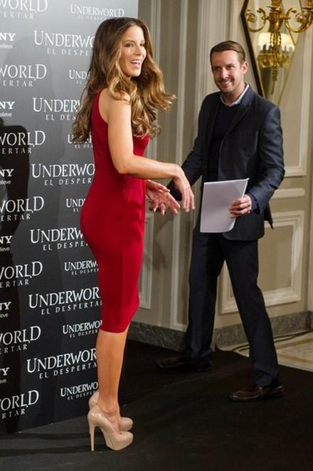 Dwie odsłony stylu Kate Beckinsale (FOTO)