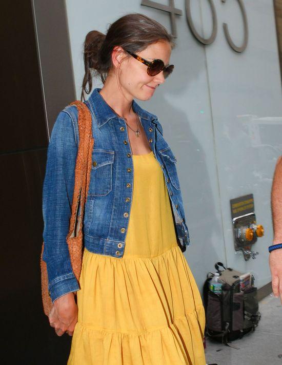 Katie Holmes w żółtej sukience (FOTO)