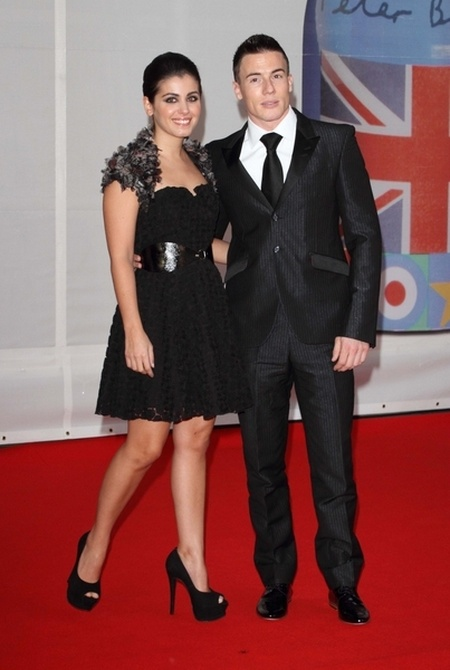 Kreacje na Brit Awards 2012 (FOTO)/Katie Melua, James Toseland