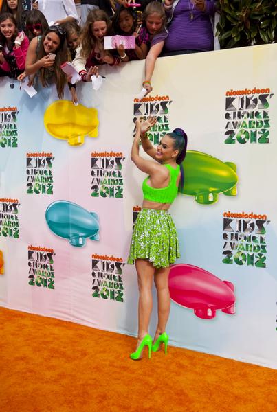 Katy Perry jak liść sałaty (FOTO)