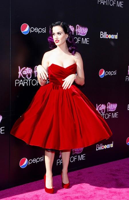 Katy Perry w aksamitnej sukience Dolce & Gabbana (FOTO)