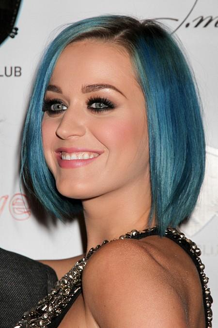 Katy Perry znowu szaleje z fryzurą (FOTO)