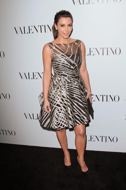 Kim Kardashian Gwiazdy świętują 50-lecie marki Valentino
