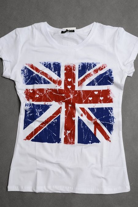 Moda w stylu gwiazd: Koszulka Ashley Greene