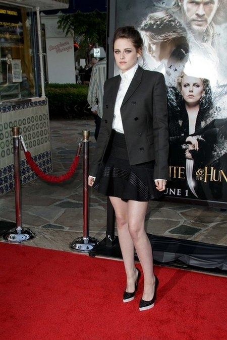 Kristen Stewart od stóp do głów w Stelli McCartney (FOTO)