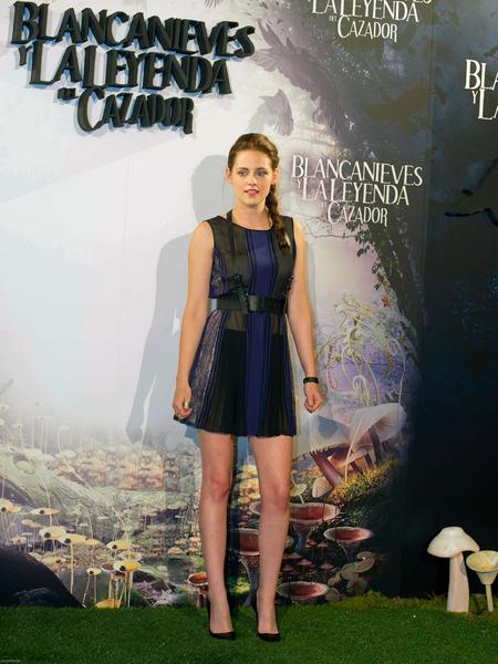 Dwie kreacje Kristen Stewart (FOTO)