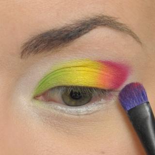 Tęczowy makijaż na wiosnę (FOTO+VIDEO)