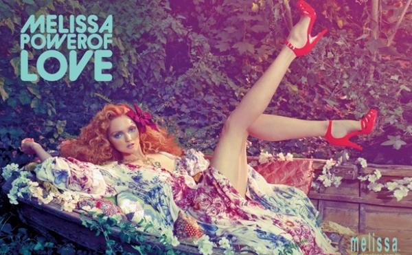 Lily Cole nową twarzą marki Melissa (FOTO)