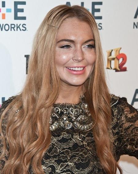 Koszmarne przebarwienia Lindsay Lohan (FOTO)