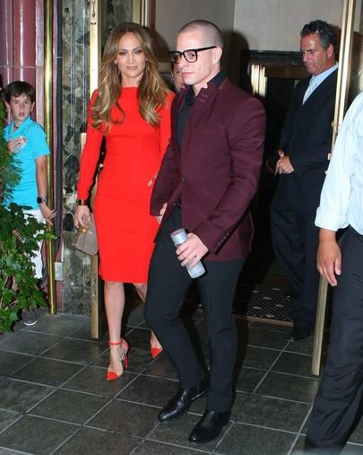 Jennifer Lopez w czerwonej sukience