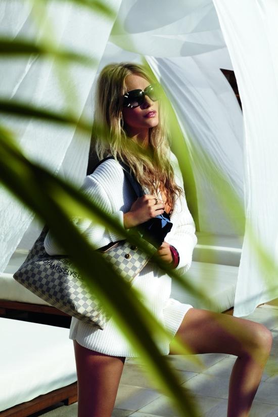 23746e97a59bc Zobaczcie lookbook oraz katalog wybranych modeli dodatków wchodzących w  skład kolekcji: Wakacyjna kolekcja Louis Vuitton Summer