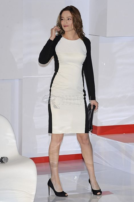 Magdalena Różczka w sukience o wyszczuplającym kroju
