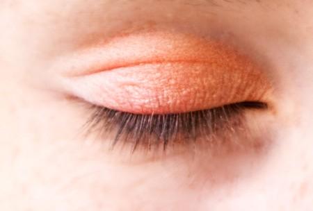 Makijaż w kolorze różu i oranżu
