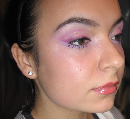 Makijaż w kolorze lila