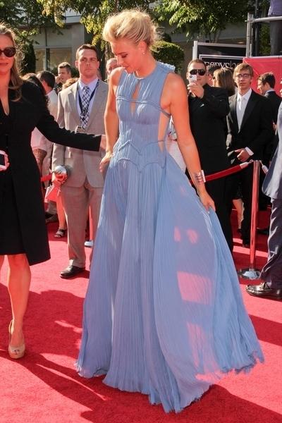 Maria Sharapova w zjawiskowej sukni J. Mendel (FOTO)