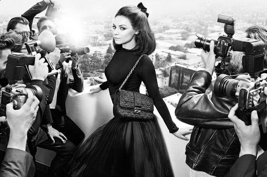 Mila Kunis dla Dior Handbags (FOTO)