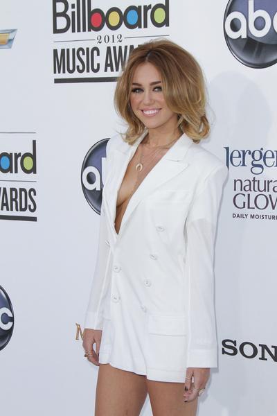 Odchudzona Miley Cyrus w zestawie Jean Paul Gaultier