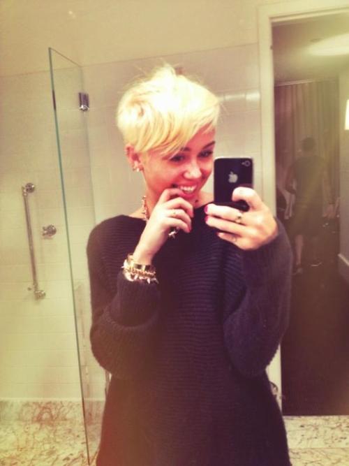 Nowa krótka fryzura Miley Cyrus!