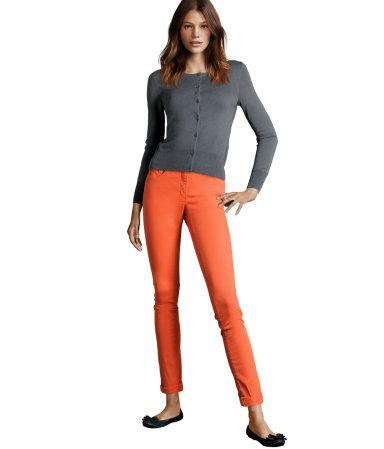 Kolorowe spodnie hitem tej wiosny