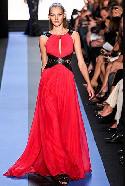 Eva Longoria w sukni Monique Lhuiller (FOTO)