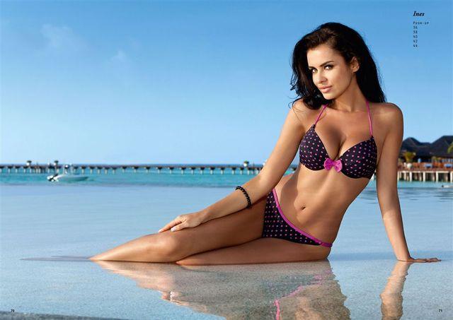 Natalia Siwiec reklamuje kostiumy kąpielowe