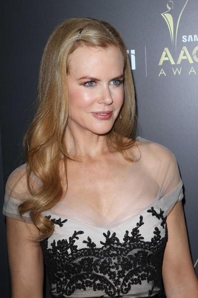 Nicole Kidman w sukience z koronkowym akcentem (FOTO)