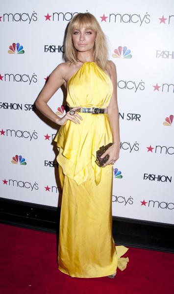 Kanarkowa suknia Nicole Richie (FOTO)
