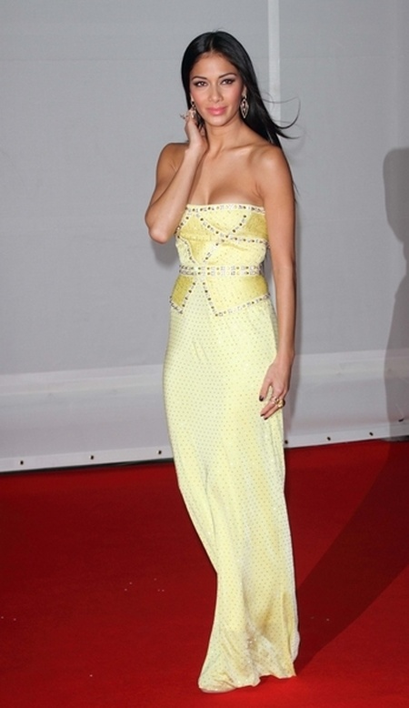 Kreacje na Brit Awards 2012 (FOTO)/Nicole Scherzinger