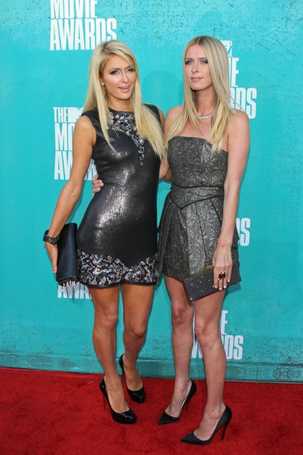 Kreacje na MTV Movie Awards (FOTO)/Paris i Nicki Hilton
