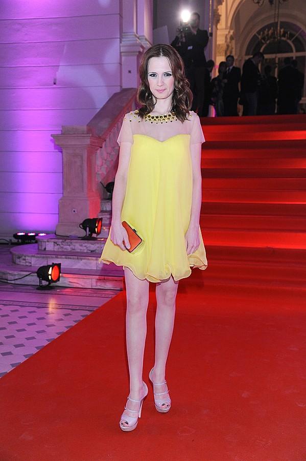 Paulina Chylewska w dziewczęcej sukience (FOTO)