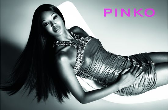 Naomi Campbell w kampanii marki Pinko (FOTO+VIDEO)