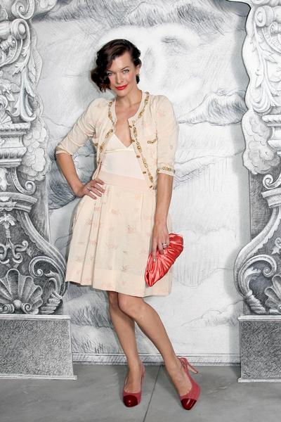 Milla Jovovich w cukierkowej stylizacji od Chanel