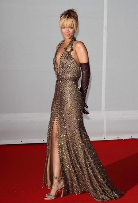 Kreacje na Brit Awards 2012 (FOTO)/Rihanna