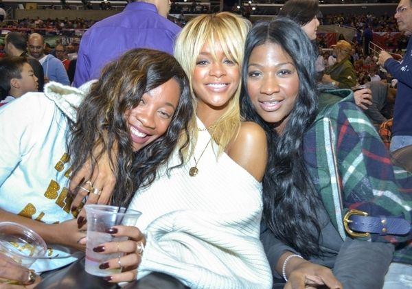 Rihanna w wersji jasny blond (FOTO)
