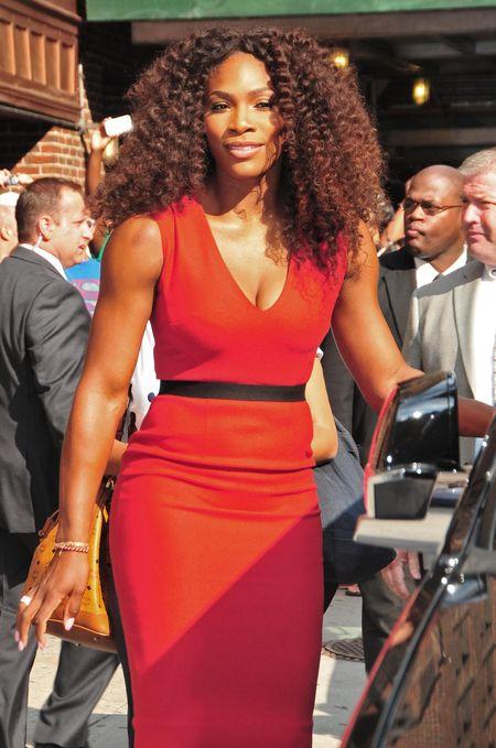 Serena Williams seksowna w czerwieni (FOTO)