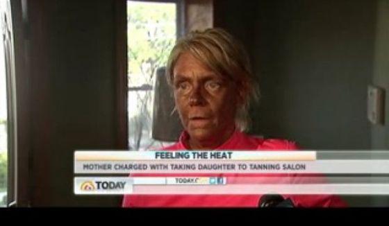 Matka poparzyła 5-latkę na solarium! (VIDEO)