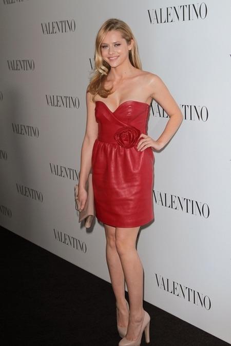 Teresa Palmer Gwiazdy świętują 50-lecie marki Valentino