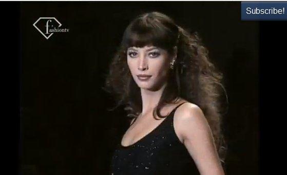 Topmodelki na pokazie z 1994 roku (VIDEO)
