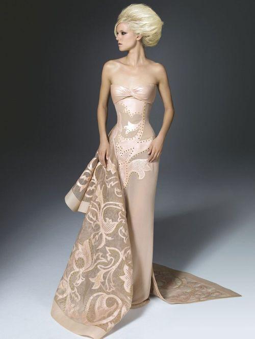 Метки. платья. versace.