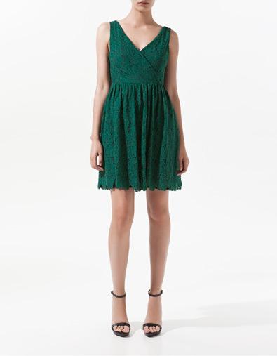 Sukienki na letnie przyjęcie od Zary (FOTO)