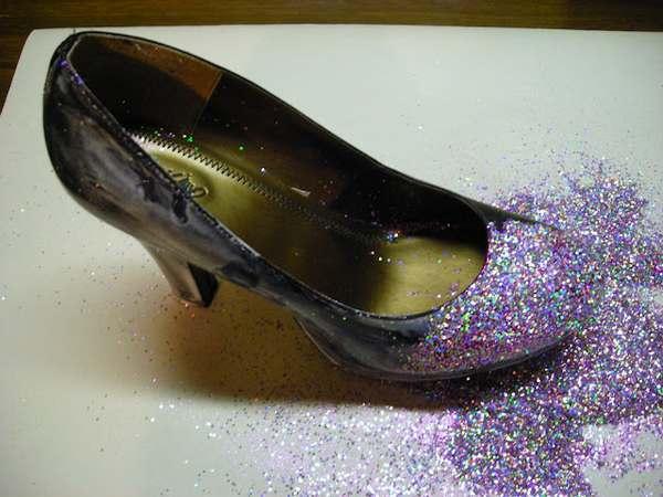 Zrób to sama: brokatowe buty (FOTO)