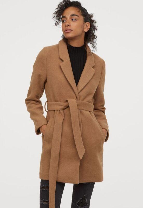 Najmodniejsze modele płaszczy tego sezonu. Znajdziesz je w sieciówkach