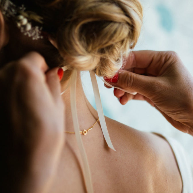 Piękne inspiracje na ślubną fryzurę. Efektowne i z klasą