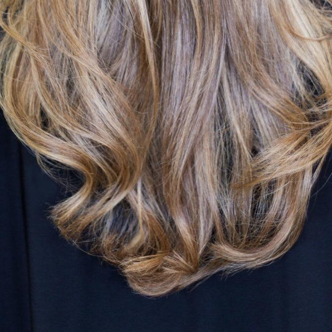 Oto 10 odcieni farb do włosów, które sprzedają się najlepiej
