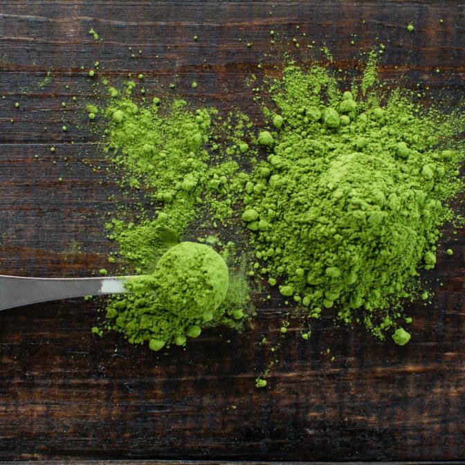 Wegański balsam do ust z herbatą matcha – naturalny sposób na spierzchnięte usta