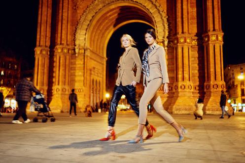 Stylizacje inspirowane hiszpańską idyllą w latach 70. Ta kolekcja przypadnie ci do gustu